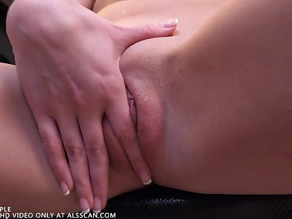 Bespatter a Toe In - Scarlett Knowledgeable - ALSScan