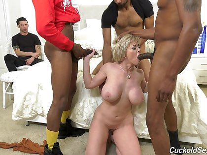 Mature feels black men fucking her tiny holes in active lodging cuckold