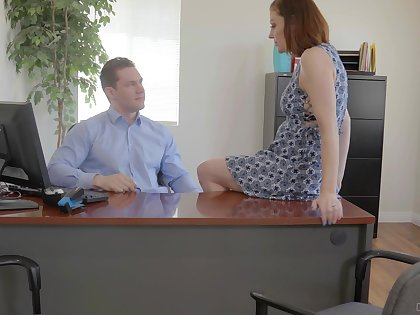 Secretary is perceptive to shake boss's huge dick for a raise
